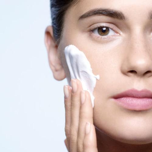 Clé de Peau Beauté 肌膚之鑰 - 光采柔潤潔膚皂  - 110ml